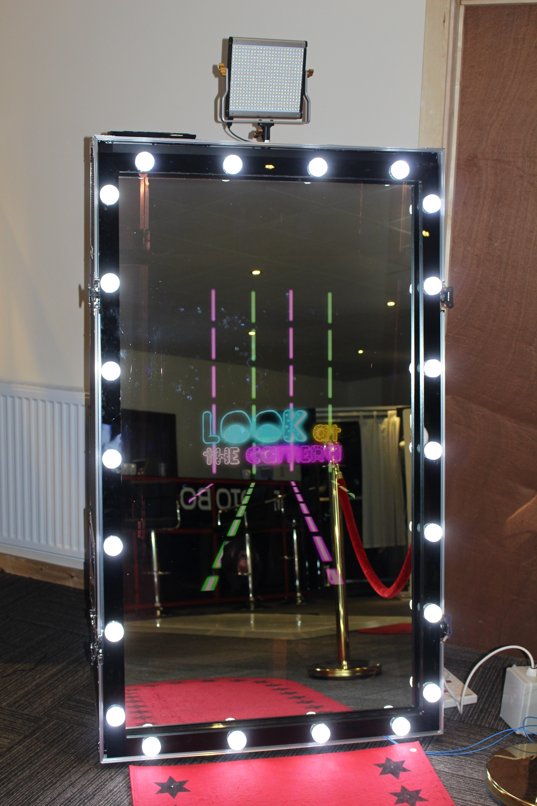 Photobooths | LED Magic Mirror Frame - Photobooths